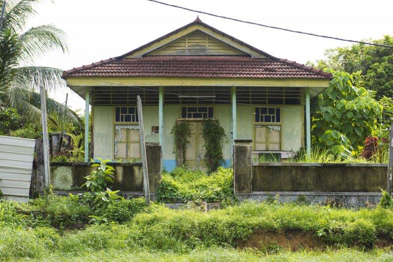 """古家付きの土地""""を売る場合、更地にすべき?それとも、そのままの方が ..."""